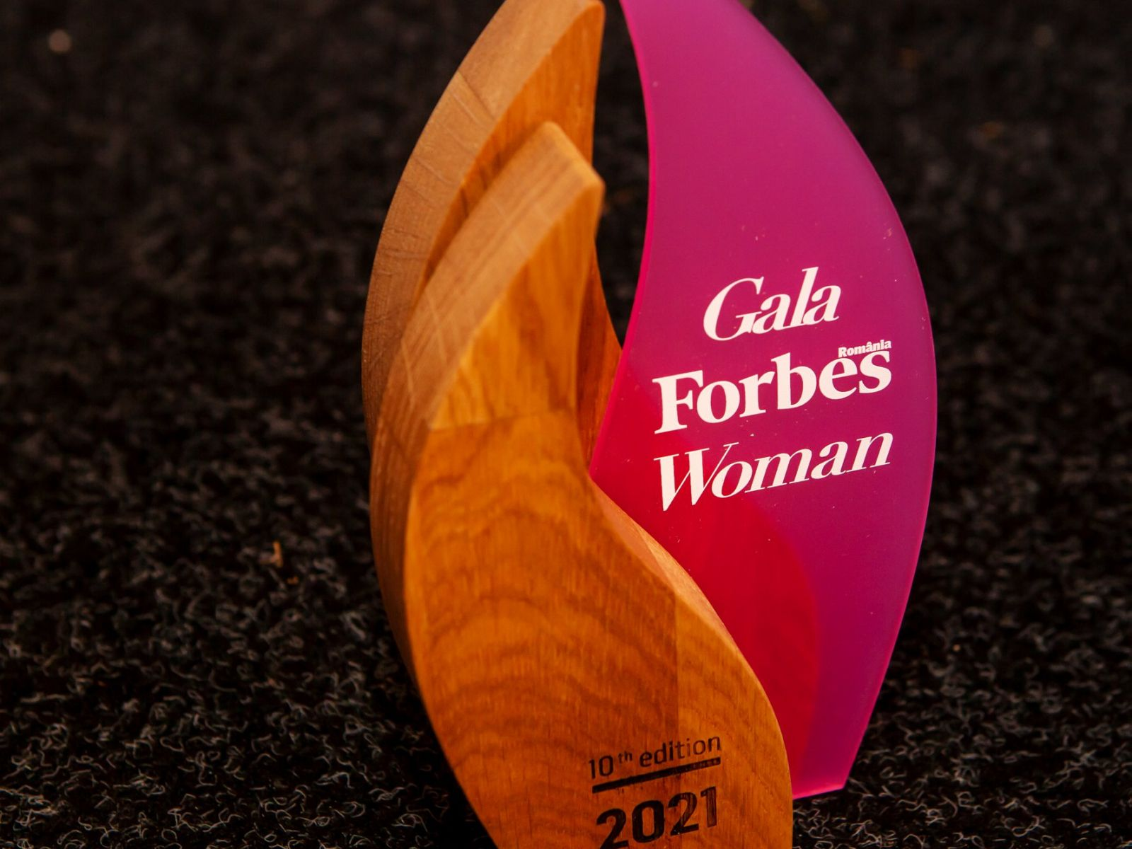 """Cristina Căpitanu and Elena Oancea, awarded as """"The most influential women in interior design in Romania"""" at Forbes Women 2021 Gala"""